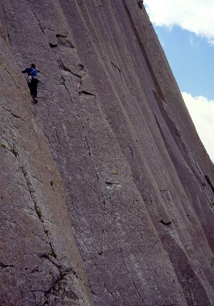 Mike Cronin starting up the stellar first pitch of One-Way Sunset.