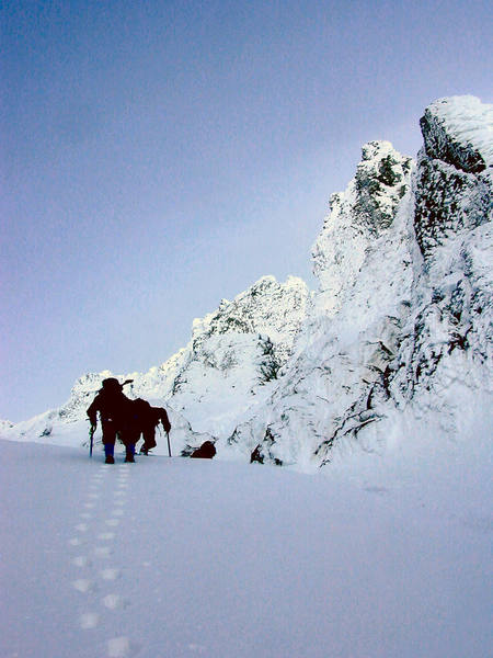 Climbers exiting Leuthold couloir