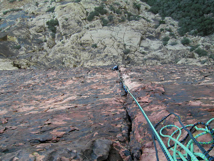 Looking down the pleasant crack on pitch 2 of Cat Scratch Fever.