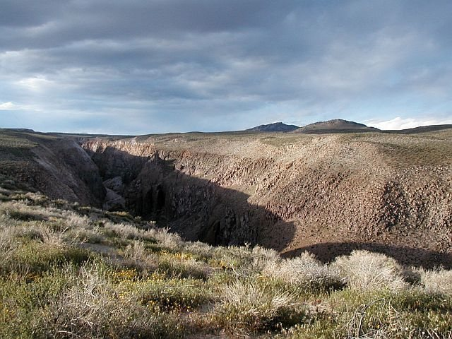 The view from the rim, Owens River Gorge