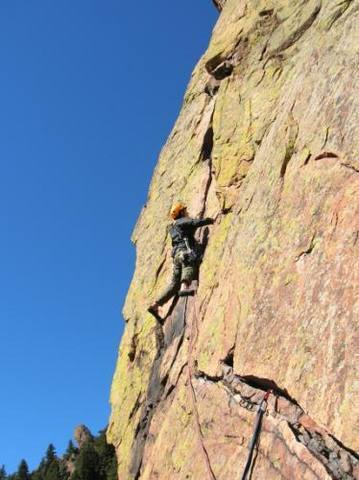 Gary Schmidt running out the lead on the 4th pitch traverse to avoid rope drag