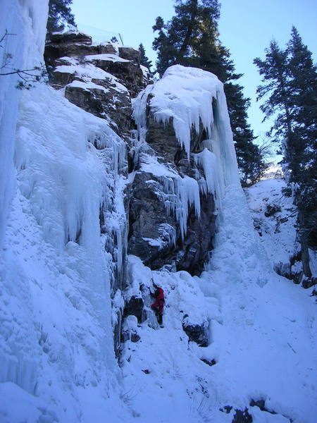 Simon Edwards approaching the start of the icy squeeze.