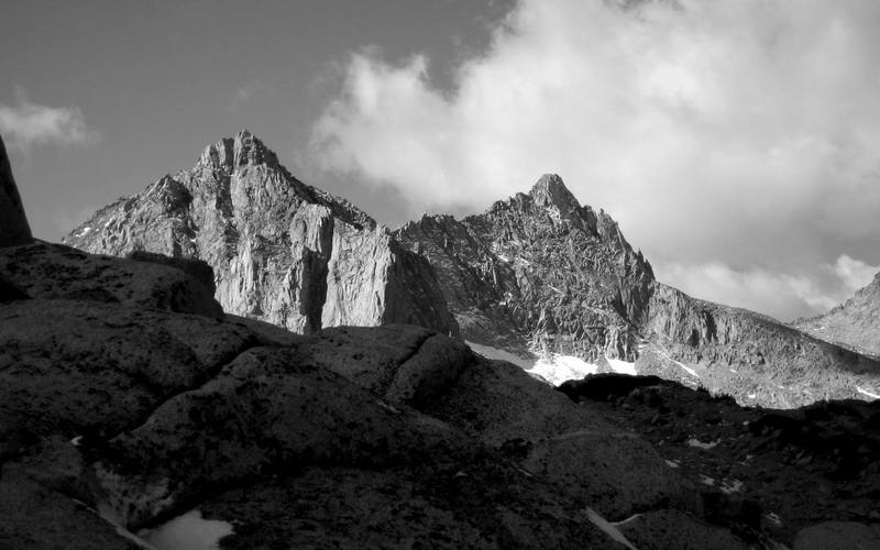 Picture Peak on the left and Mt Haeckel on the right (Evolution Region).