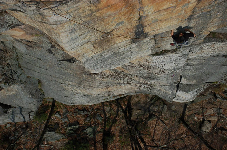 Beginning the final pitch under the yellowish rock.