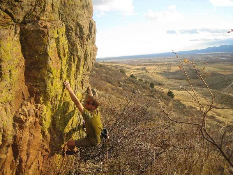 Bouldering on Rabbit Mtn. Photo by Forrest Weller