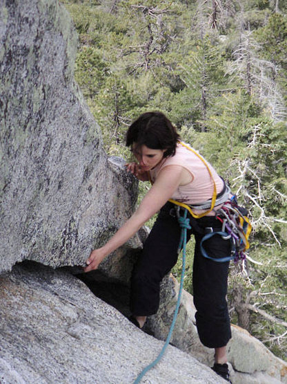 Finishing up the second pitch of Fingertrip.  Look at her go!
