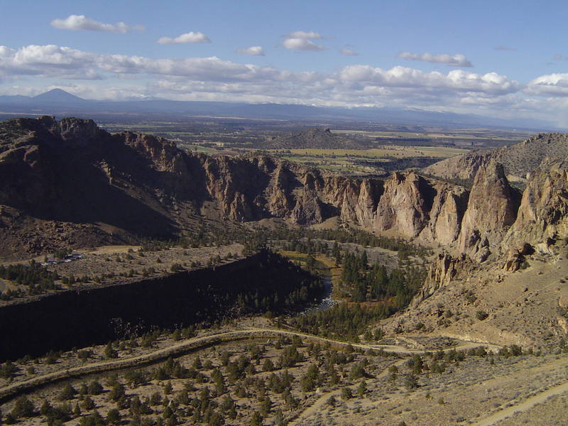 Smith Rock and the Crooked River from Koala Rock's Round River route