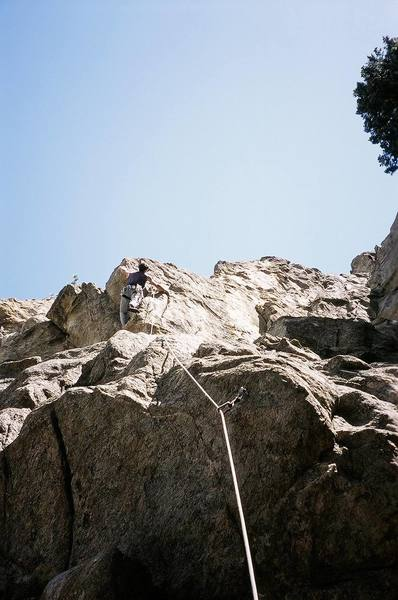 Tony on Bean Bagger (5.11) at the Bean Liquor Wall of Bell Buttress in Boulder Canyon. Image by Joseffa Meir