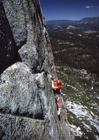 """Al Swanson on the first ascent of """"Hold On Loosely"""".<br> Photo by Blitzo."""