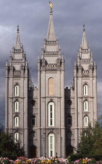 Mormon Temple-Salt Lake City.<br> Photo by Blitzo.