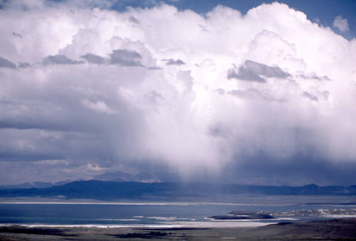 Mono Lake-storm.<br> Photo by Blitzo.