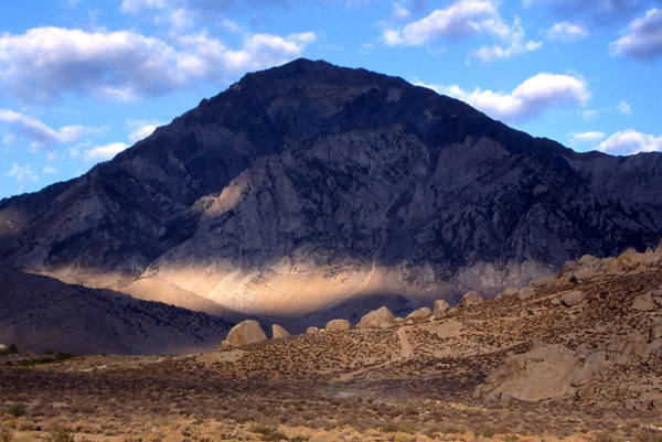 Mt. Tom and the Buttermilks.<br> Photo by Blitzo.