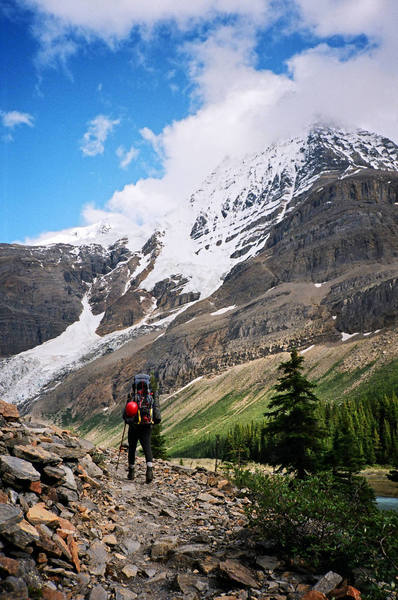 Approach to Mt. Robson 2005.