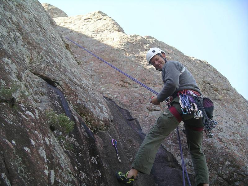 Cleaning Spinning Back Kick on rappel.