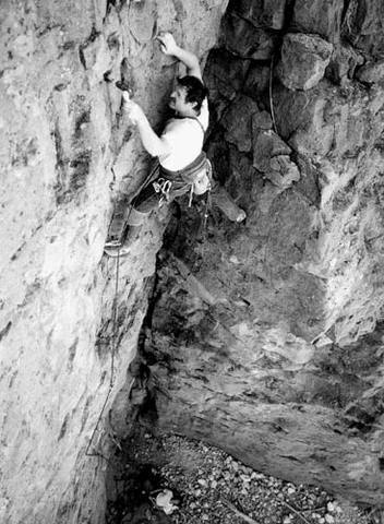 "Errett Allen on the first ascent of ""Three Stooges"".<br> Photo by Blitzo."