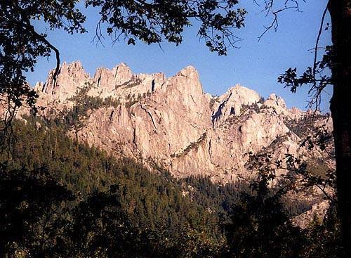 Castle Crags.<br> Photo by Blitzo.