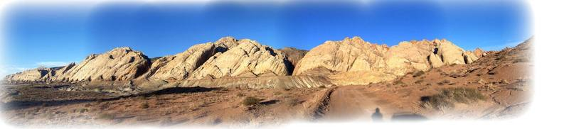 A panoramic picture of the San Rafael Reef  from the Uneva Mine turnoff.