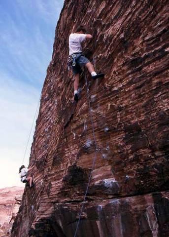 Climbing at Panty Wall.<br> Photo by Blitzo.