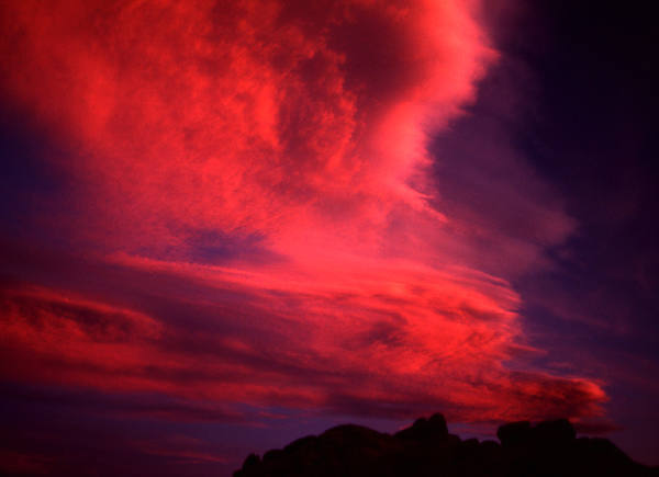 Red sky-Alabama Hills.<br> Photo by Blitzo.