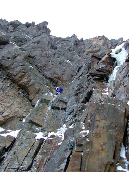 Pitch 2. Mixed traverse towards the ice fall.