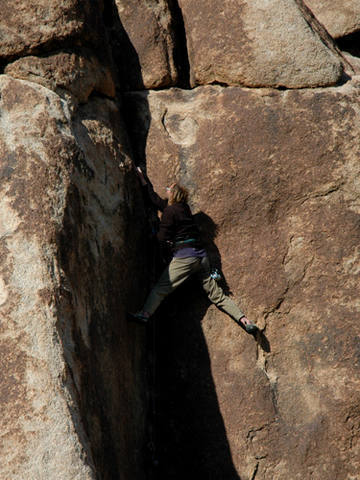 Another climb, somewhere in the desert.<br> Photo by Blitzo.