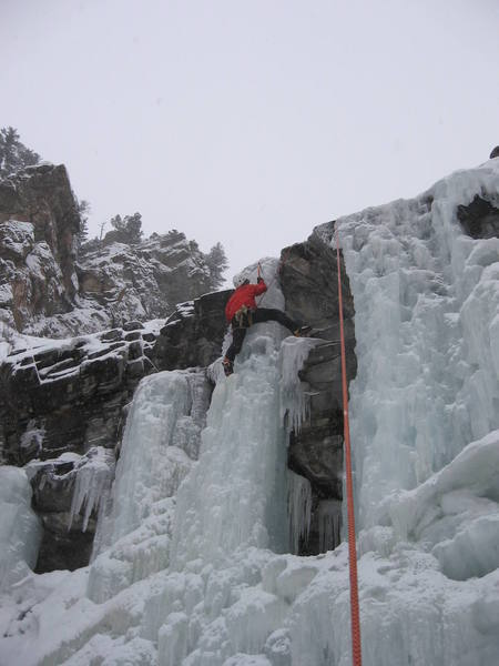 Using the Petzl dart heelspur to get some more balance on the upper falls in Clear Creek Canyon.