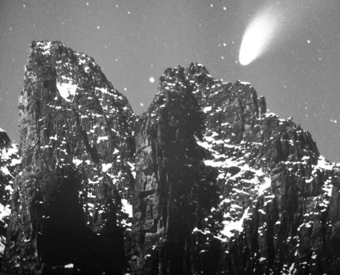 The Sharkstooth and Saber bask in the glow of the comet Hale-Bopp.<br> <br> 1997 photo by Glenn Randall.