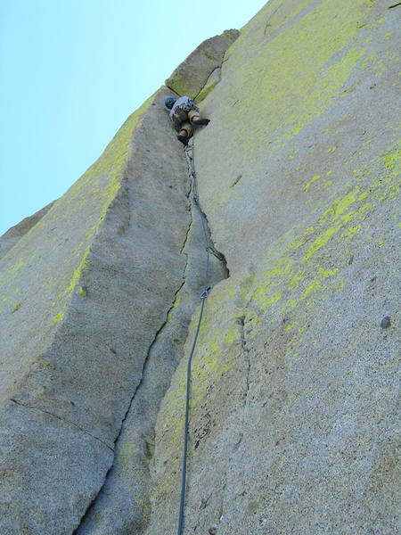 Start of the second pitch before entering the famous traversing crack