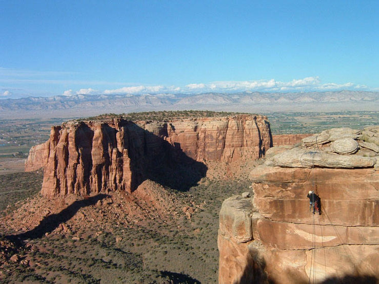 The tyrolean between Grand View Spire and the rim, with Monument Canyon in the background.