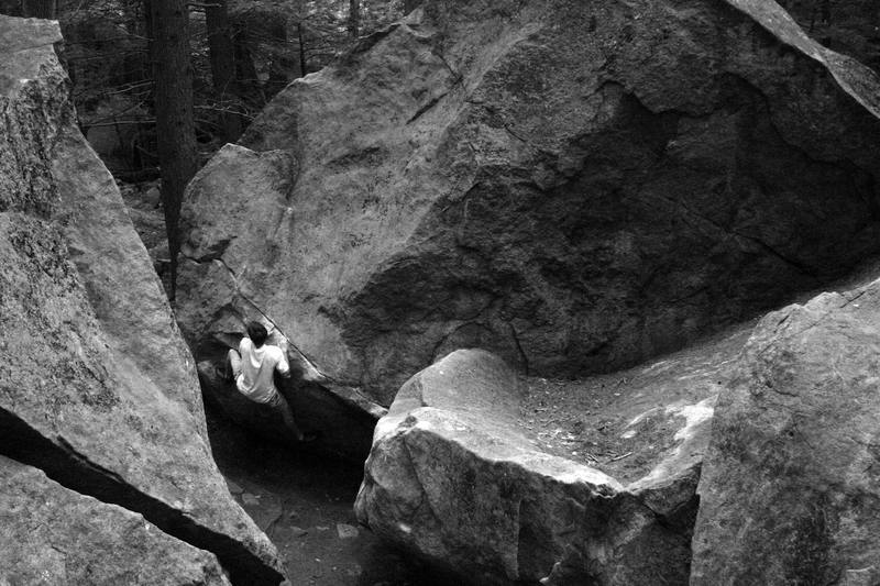 An unknown climber on Hobbit Hole V3...