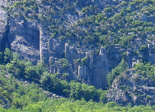 The Precipice from Schooner Head Road