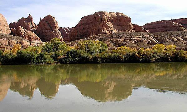 Colorado River-Potash Road.<br> Photo by Blitzo.