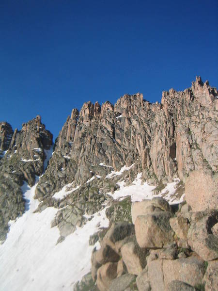 Jagged's North Face on the approach. (sorry about the blur)<br>