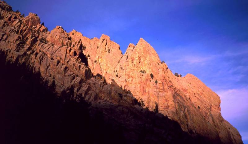 Sunset in Eldo in 2001. Redgarden Wall gets the last light as the West Ridge fades away. Photo by Tony Bubb.