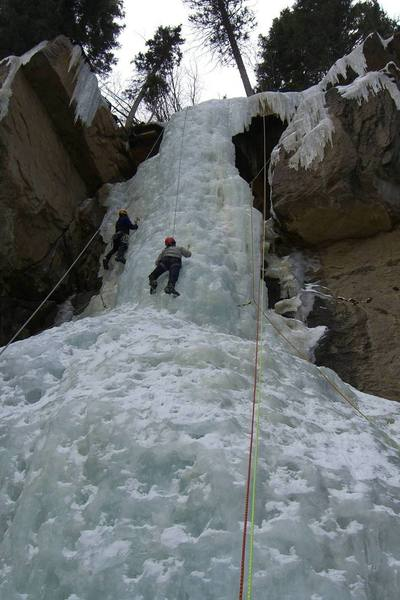 Typical crowded, hooked-out conditions at Hidden Falls.