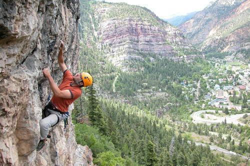 Local Ouray climber Ben Lockard on Abre Los Ojos.