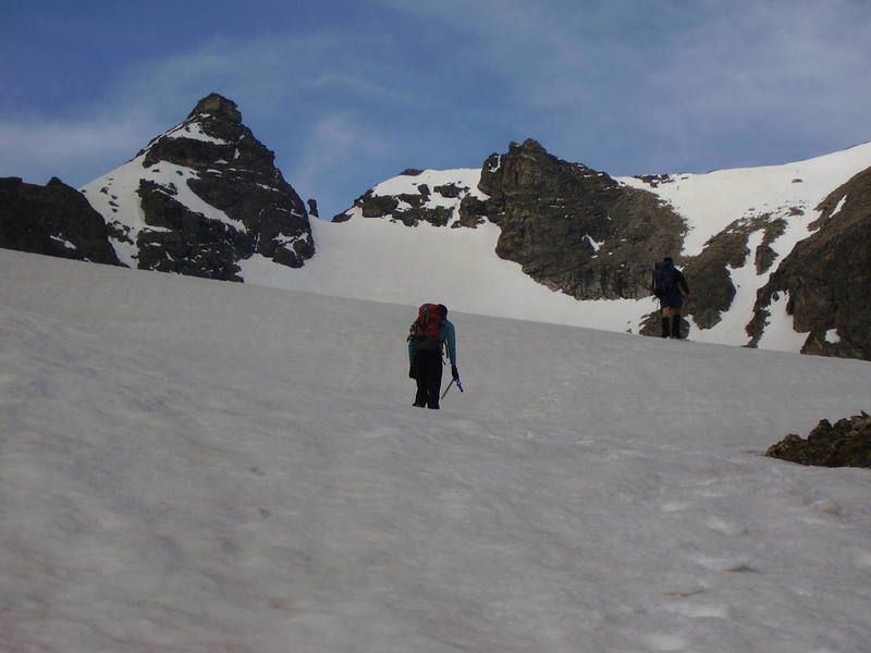 Heading up to Apache Peak with Decker's Peck and the Navajo snowfield in the background