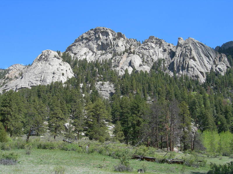 From left to right: Observatory Dome, Sunshine Buttress, The Pear, The Citadel, Lens Rock and The Bookend.