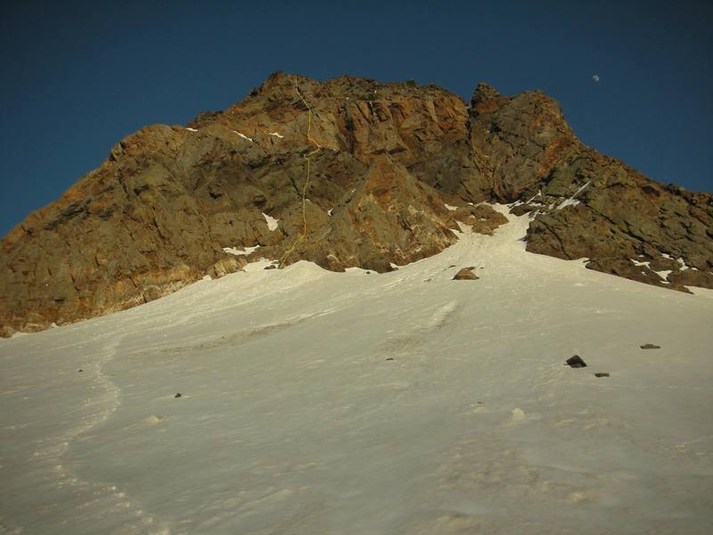 The approximate line for The Central Spur of the NW Face of Dromedary.