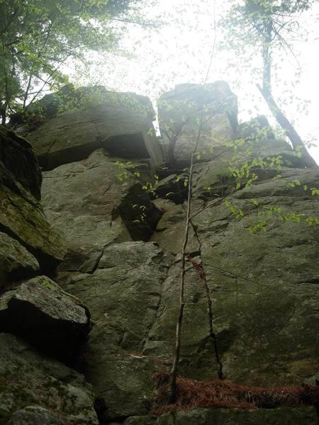 5.2 access climb it top of hollow rock.