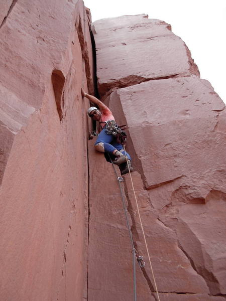 3rd pitch, Andrew Carson changing cracks
