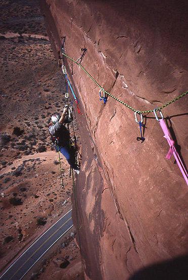 Zenyatta Entrada.  Note the LACK of pin scars..(About 5th ascent) Climber; Big Al Bartlett.<br> Photo: Todd Gordon collection.