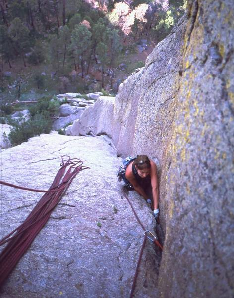 Joseffa Meir follows P1 of 'Soler (5.8)' at Devil's Tower. Photo by Tony Bubb, July '01.
