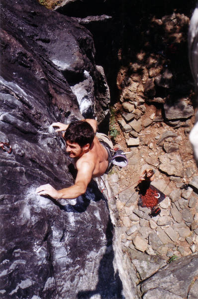 Jordi (Editor for Escalar (Spain's climbing mag)) pulling the crux move of this classic line.