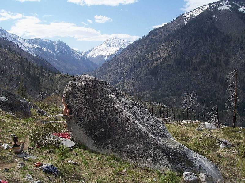 Kyle O'Meara stretching out on The Cattleguard Arete (V8), Mountain Home Boulders, Leavenworth, WA.
