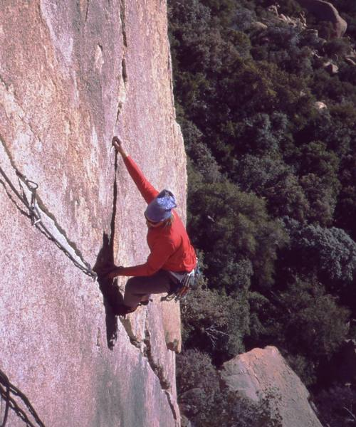 Ron Roach follows the finger crack on the upper half of the first pitch of Bee Line (5.9). Photo by Tony Bubb, 12/01.