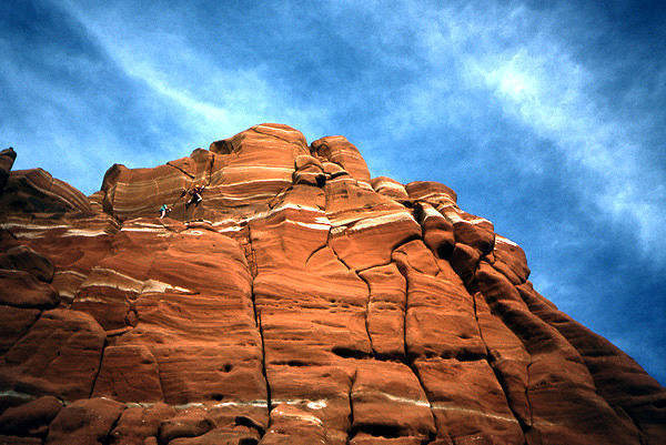 Craggin' at Window Rock III.<br> Photo by Todd Gordon.