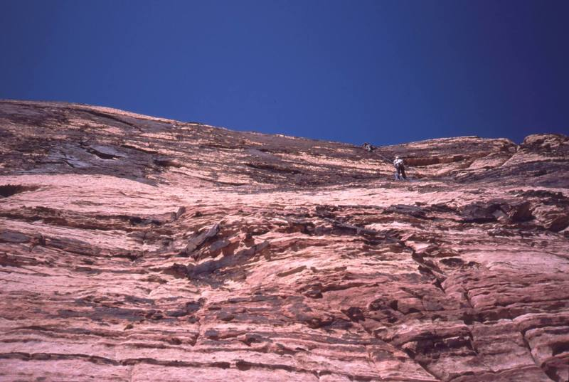 3 pitches down, 2 to go. A party above is ahead on 'Birdland' a RedRocks Neoclassic 5.7.<br> Photo by Tony Bubb, 4/06.
