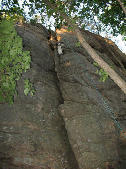 John Knoernschild entering the right side of the chimney after the 5.6 face variation