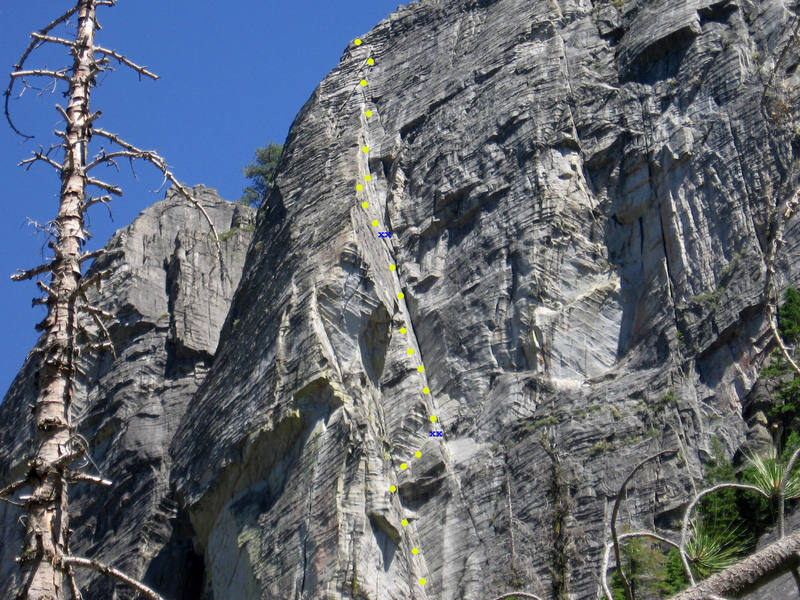 Route tracing:  From this angle p2 belay is estimated.  The belay is just prior to a short chimney.